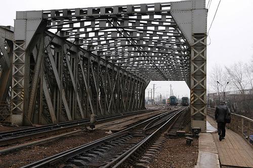 Американские мосты уходят в